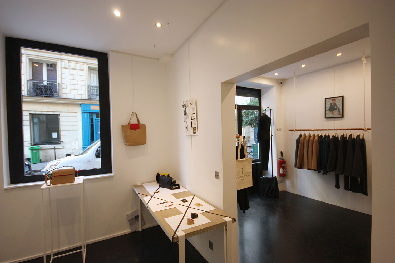 Pop up store for rent in Paris Marais district