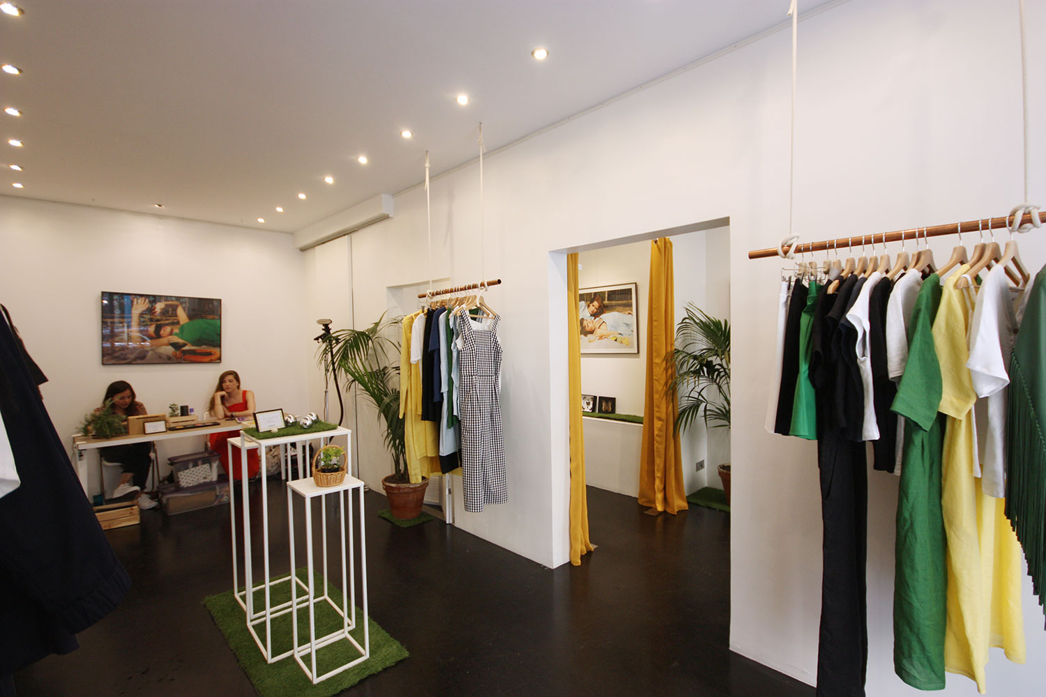 renting a pop up store in Paris