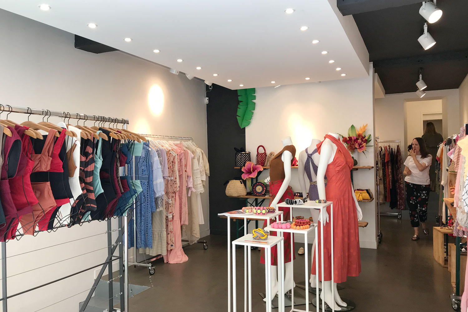 showroom rue saint claude Fashion Week rental paris